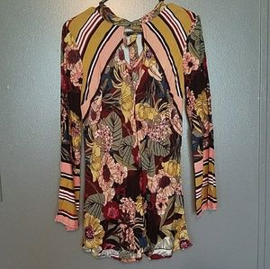 Long sleeve, floral tunic.